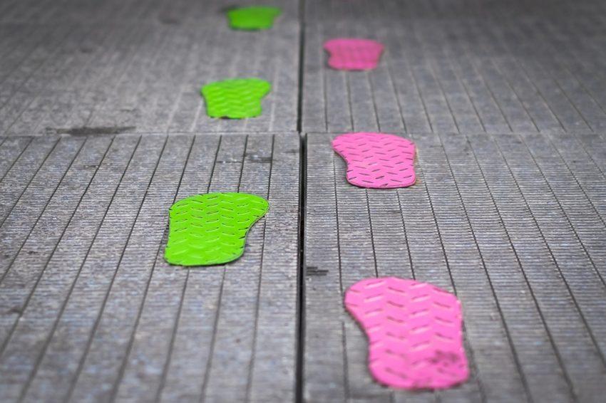 footsteps-1697220_1280
